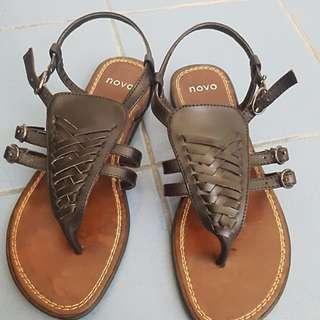 Novo black sandals