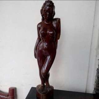 Pajangan Wanita Naked