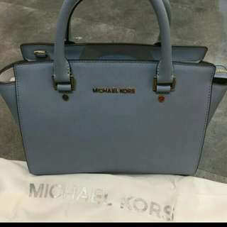 Mk selma large saffiano leather!100%real and authentic👍