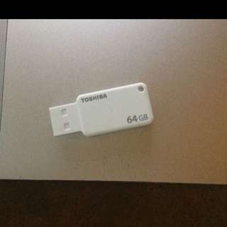 64GB THUMBDRIVE TOSHIBA WITH OTG MICRO USB ADAPTER