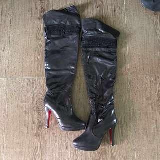BN Pretty Woman Boots Glittery Sheen Snake Skin Lookalike Black