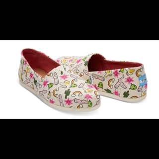 TOMS Rainbow Women's Size 6 (brand new in box)