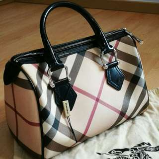 100% authentic Burberry bowling bag