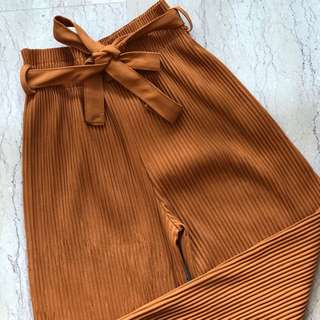 BN Pleated Paperbag Pants