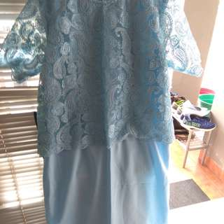 Dress brukat biru
