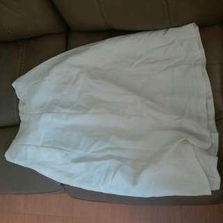 50蚊兩條半截裙(一白一深藍 free size)