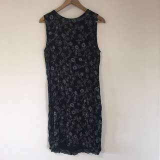 Retro floral shift dress in size 10