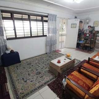 Blk 217 4s HDB flat Petir Road for sale