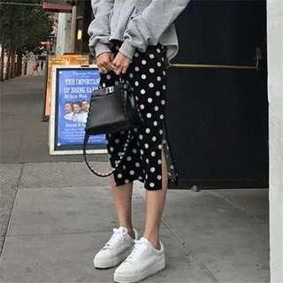 韓國正品女裝代購  LIPHOP  2017冬款  可愛圓點側開叉半身裙