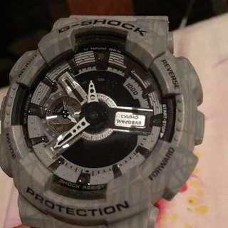💥G-SHOCK💥定價不議😊 留意返錶身SH下面有花痕