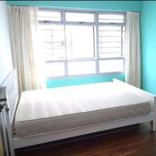 Next to punggol mrt common room for rent!no agent fee and no owner!
