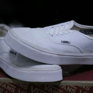 VANS ALL WHITE SIZE 41