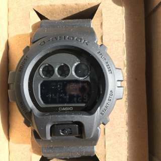Casio G-shock DW6900BB-1JF