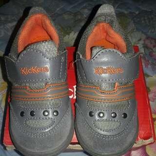 KICKERS sepatu size 25