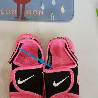 Authentic nike toddler girl sandal
