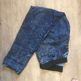 Acid washed dark jeans