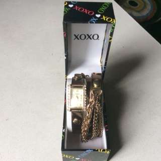 XOXO Authentic Watch(XOXO Women's XO5630 Gold-Tone Watch with Wraparound Brown Metallic Band)