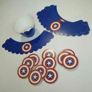 Cupcake Topper Captain America with wrappers