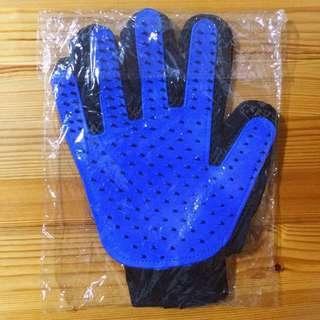 Clearance! Brand New Pet Deshedding Glove
