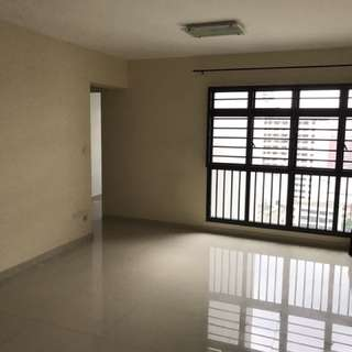 HDB 4rm flat @ excellent location for sale