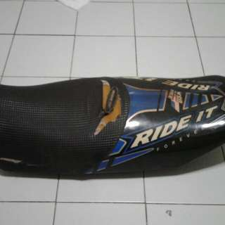 RXZ SEAT used  (torn cover)