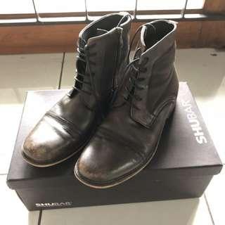Boots SHUBAR!