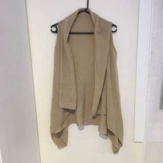 Size M valley girl cardigan