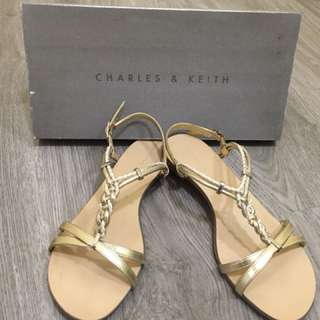 Preloved charles & keith flat weave sandals