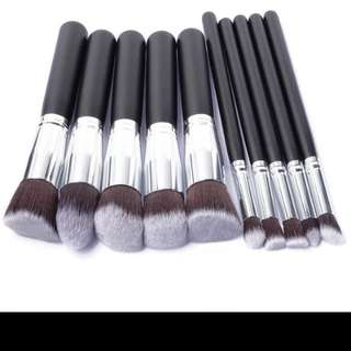 DEFECTIVE CLEARANCE 10PCS KABUKI COSMETIC BRUSH SET IN BLACK SILVER