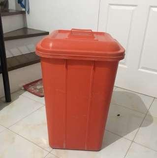 100 Liters Plastic Utility Bin w/ Cover