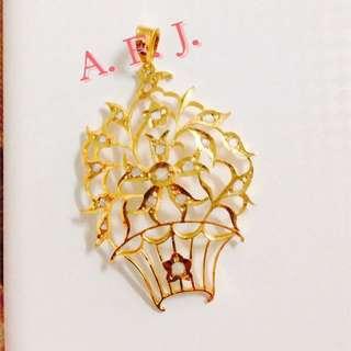 Peranakan Gold Pendant with Intan