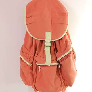 橘色後背包