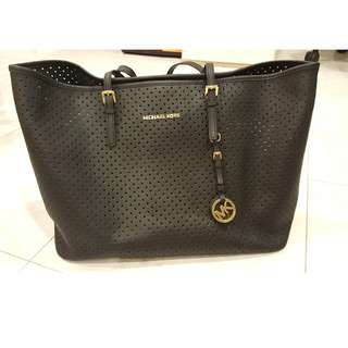 100% Authentic Michael Kors Jet Set Perforated #PayDay30