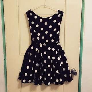 黑底圓點點無袖散狀繫帶洋裝 連身裙