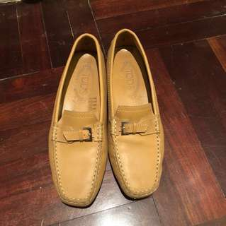 Tods Beige Leather Size 37