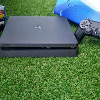 Playstation 4 slim jet black 500GB model CUH-2006A series