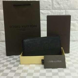 Louis Vuitton X Supreme Wallet Black Color