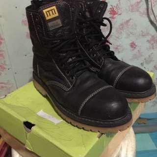 Itti Boots