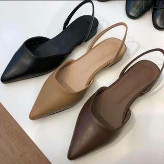 黑色尖頭鞋(cover.com購入)