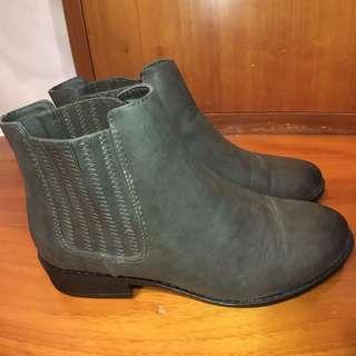 Forever 21墨綠色短靴 Chelsea boots