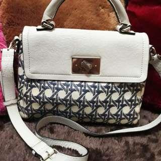 Kate Spade Sling bag Original