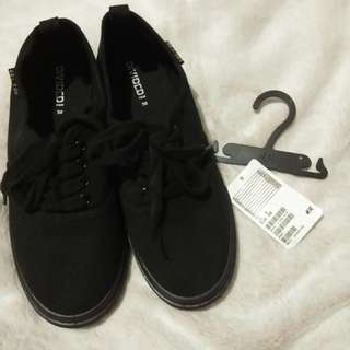 H&M All Black Sneakers