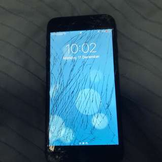 iPhone 7 - cracked but touch screen is not glitchy at all