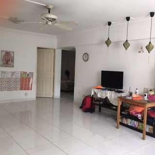 4A HDB Corner Unit in Tampines St 21 for Rent by Owner