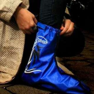 Jas Hujan Sepatu atau Mantel Sepatu dengan desain modis dan berkualitas.pembelian 2pcs y