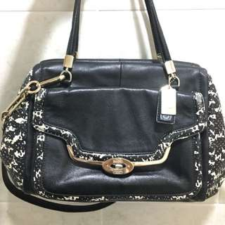(REDUCED) Authentic Coach leather bag