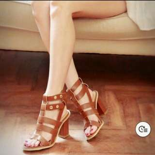 全新size 23.5 - 正韓羅馬粗跟鞋