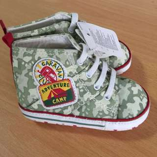 Pram shoes for little feet