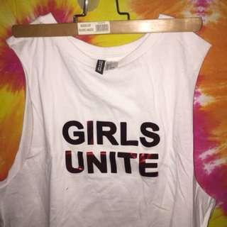 Tanktop HnM divideo GIRLS UNITED