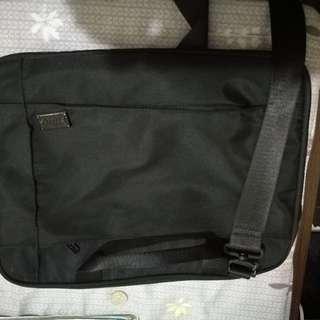 """Halo 14"""" laptop bag"""